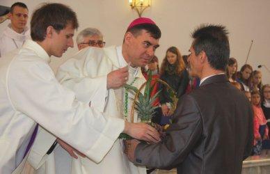 W kościele NSJ w Piotrkowie mszę odprawiał dziś biskup