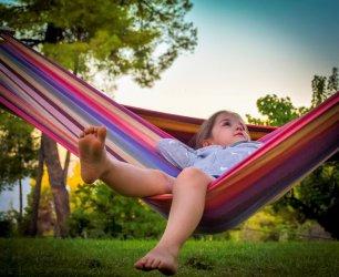 Jak zaprojektować wyjątkową strefę relaksu w ogrodzie?