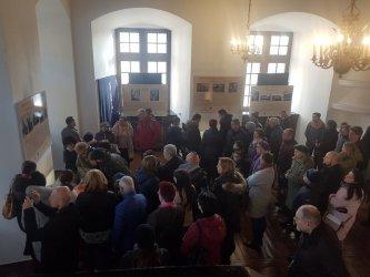 Piotrkowianie zwiedzali jagiellońskie komnaty