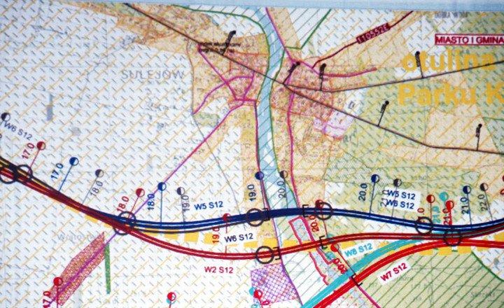 Zatoki autobusowe, ruch okrężny, ścieżka rowerowa przy DK 12. Kiedy powstaną?