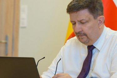 Urząd Marszałkowski przeznaczy pieniądze z Unii Europejskiej na walkę z epidemią