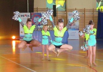 Cheerleaderki z całej Polski zmierzyły się w Piotrkowie (VIDEO)