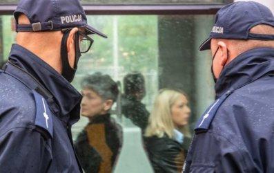 Po nowelizacji przepisów osoba bez maseczki będzie musiała okazać policjantowi zaświadczenie lekarskie