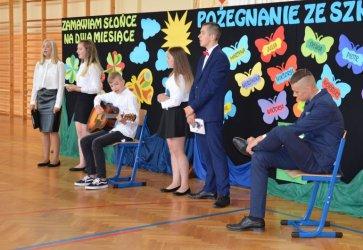 Uczniowie z gminy Grabica rozpoczęli wakacje