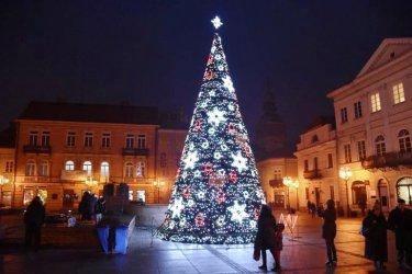 Świąteczny prezent i sanie Mikołaja – w Piotrkowie pojawią się nowe iluminacje