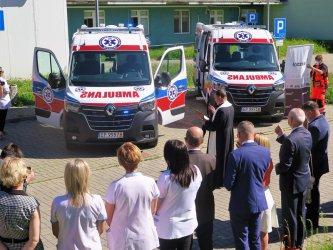 Dwie nowe karetki dla piotrkowskiego szpitala