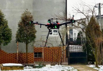 Dron bada jakość powietrza nad Piotrkowem