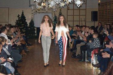 Pomogli szkole i pokazali, jak modnie się ubrać