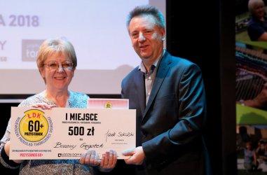 Seniorzy z Piotrkowa nagrodzeni w konkursach Przystanku 60+