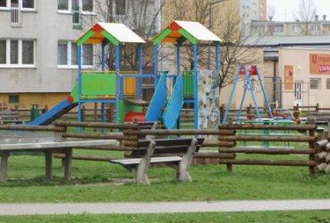 Mieszkańcy żądają nowego placu zabaw przy Sienkiewicza