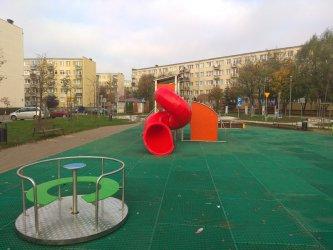 Kolejny plac zabaw w Piotrkowie wyremontowany