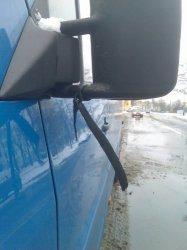 Piotrków: Znak żałoby na minibusach