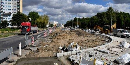 Kolejny etap przebudowy skrzyżowania Dmowskiego/Armii Krajowej