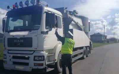 Ważący 173 tony transport przejechał ulicami Piotrkowa