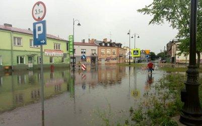 Ulewa sparaliżowała Piotrków (FILM)