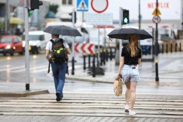 IMGW: poniedziałek ciepły, ale burzowy i z opadami deszczu