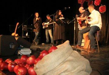 Jabłko wciąż smakuje, czyli wyjątkowy koncert w Piotrkowie (VIDEO)