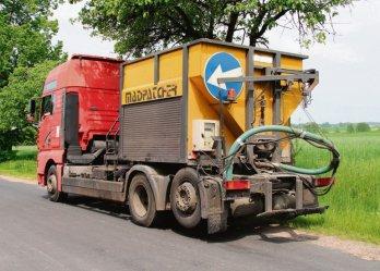 Wola Krzysztoporska: Trwają remonty dróg