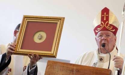 Poświęcili nową kaplicę w parafii bł. Jana Pawła II
