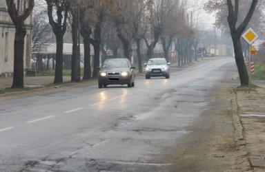 W Łódzkiem przebudują drogi za 300 milionów złotych, jaka część tej kwoty trafi do Piotrkowa i powiatu?