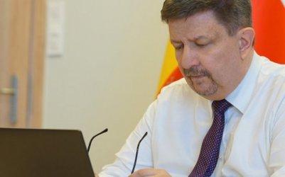 Marszałek Schreiber: będą kolejne programy pomocy dla przedsiębiorców