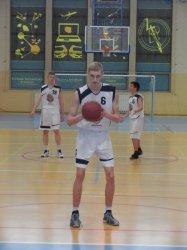 Piotrcovia stawia na juniorów