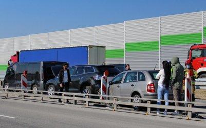 Zderzenie czterech samochodów na A1