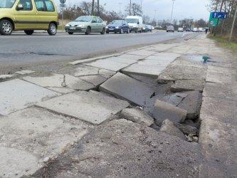 Uwaga na zapadnięty chodnik na ul. Śląskiej!