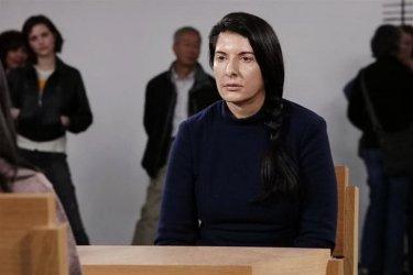 Zobacz dokument o Marinie Abramović