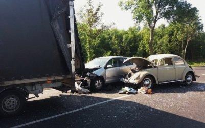 Wypadek z udziałem czterech aut na DK91