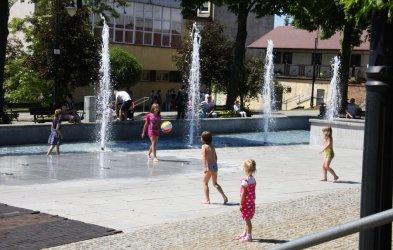 Kąpiel w fontannie... bezcenna