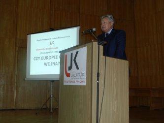 Aleksander Kwaśniewski mówił w Piotrkowie o bezpieczeństwie