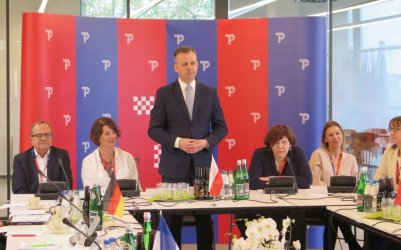 W mediatece rozpoczęła się Konferencja Miast Partnerskich