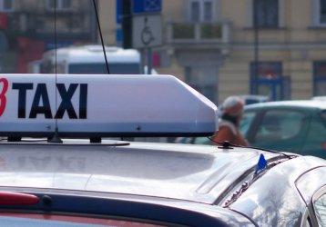 Piotrków: Pijany taksówkarz uciekał przed policją