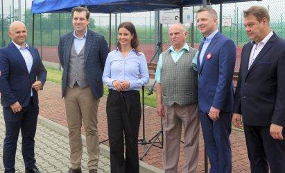 Rządowe wsparcie dla klubów sportowych. Minister sportu gościła w Woli Krzysztoporskiej