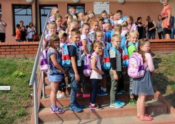 Wola Krzysztoporska: Tornistry trafiły do dzieci