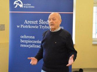 Znany podróżnik spotkał się z więźniami piotrkowskiego aresztu