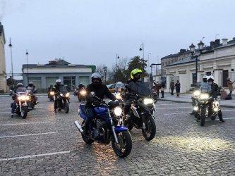 Kolejny spacer. Do kobiet dołączyli motocykliści
