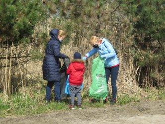 Posprzątali okolice Bugaju
