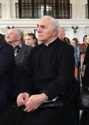 Ks. Remigiusz Wysocki oraz piotrkowscy weterani odznaczeni przez premiera Mateusza Morawieckiego [Aktualizacja]