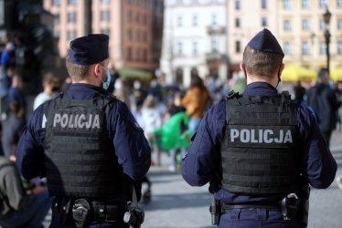 Policja: niezmiennie będziemy sprawdzać czy obostrzenia są przestrzegane