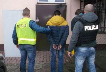 Pobicie przed sklepem w Moszczenicy