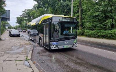 Elektryczny autobus wyjechał na ulice Piotrkowa