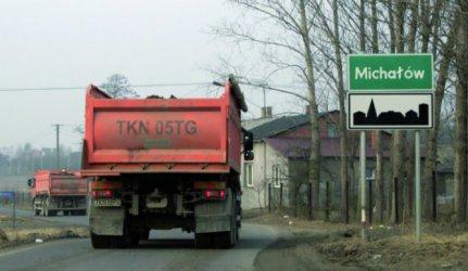 Droga w Michałowie dziurawa - będzie remont?
