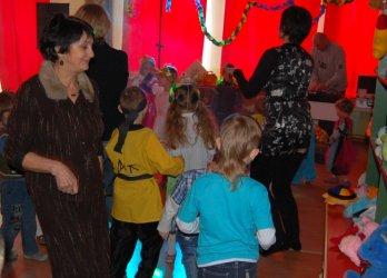 Kolorowo i karnawałowo w Domu Dziecka