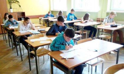 Ile klas pierwszych w piotrkowskich szkołach?
