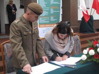 Uczniowie z Bujen będą się uczyć od terytorialsów