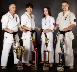 """Piotrkowski Klub Oyama Karate """"WASHI"""