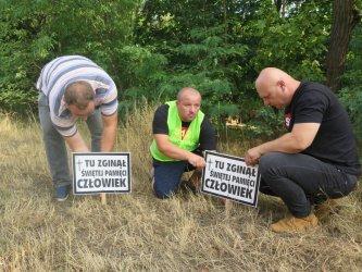 80 osób zginęło już na DK12 między Piotrkowem Trybunalskim a Sulejowem, te tabliczki mają o nich przypominać