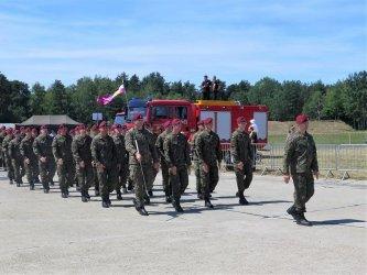 Militarne świętowanie nad zalewem